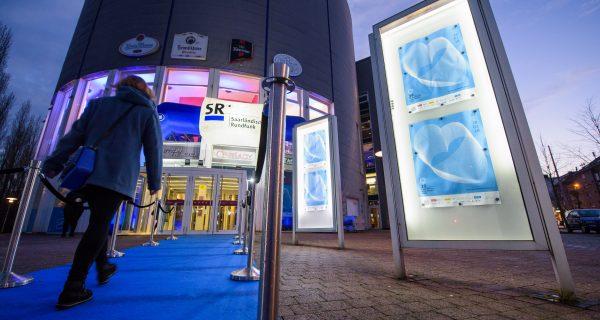 Blauer Teppich in Saarbrücken für die nächste Generation