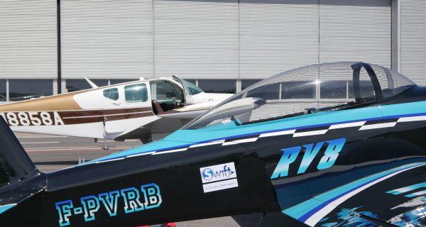 Premiere in Saarbrücken und Reims: Flugzeug wird am SCN mit Flugbenzin aus Biokraftstoff bedankt