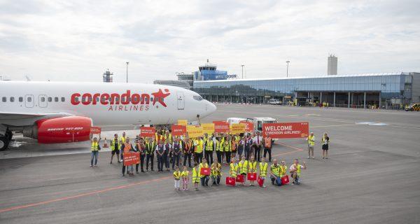 Neue Fluggesellschaft wird feierlich empfangen